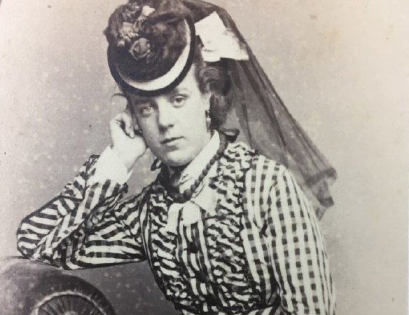 Minnie as a young woman